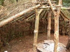 Excellent bushcraft skills that all survival fanatics will most likely desire to learn right now. This is essentials for bushcraft survival and will save your life. Bushcraft Skills, Bushcraft Gear, Bushcraft Camping, Camping Survival, Outdoor Survival, Camping Gear, Survival Essentials, Survival Tips, Survival Skills