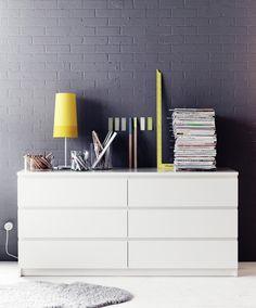 Uma cómoda que também é uma secretária. #decoração #cómodas #IKEAPortugal