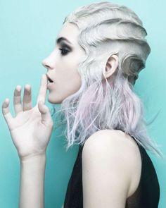 Причёски и стрижки: фото из коллекции FACET