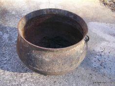 ANTIQUE HUGE Cast iron wash pot antiqueTool $199. Atlanta