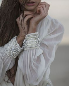 white blouse with beaded cuff Mode Boho, Fashion Details, Fashion Design, Mode Inspiration, Design Inspiration, Looking For Women, Boho Chic, Bohemian, Ideias Fashion