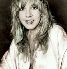 The radiant Stevie Nicks back in the mid/late probably during the beginning of the Fleetwood Mac era. Buckingham Nicks, Lindsey Buckingham, Members Of Fleetwood Mac, Stephanie Lynn, Stevie Nicks Fleetwood Mac, Look Vintage, Vintage Rock, Beautiful Voice, Boho Beautiful