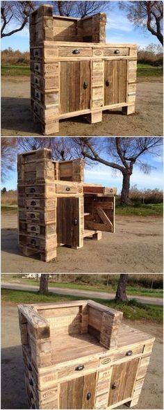 Old Wood Pallet Table or Cabinet / Bild / Foto / Bilder für Sie Old Pallets, Wooden Pallets, Wooden Diy, Wood Pallet Tables, Wooden Pallet Furniture, Pallet Patio, Pallet Shelves, Pallet Cabinet, Outdoor Furniture