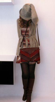 платье, шляпа - Stradivarius, сумка - Parfois, сапоги - Zara, кардиган - O`stin