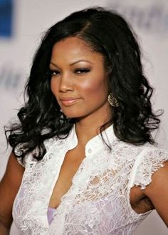 Everyone wants to look their best on the wedding day. So much goes into deciding the trousseau which includes the hairdo. We list out 50 hairstyles which you can try out for the D day My Black Is Beautiful, Beautiful People, Pretty Black, Beautiful Ladies, Black Celebrities, Celebs, Black Actresses, African American Hairstyles, Black Girls Rock