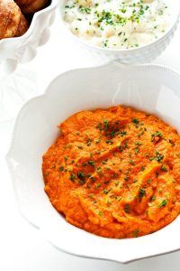 This Carrot Puree with Ginger recipe is a healthy and tasty side dish for Easter and Spring Entertaining. You can make this carrot puree up to 3 days in advance! Best Vegetable Recipes, Vegetable Side Dishes, Vegetarian Recipes, Roasted Fingerling Potatoes, Easter Side Dishes, Side Dish Recipes, Top Recipes, Sweets Recipes, Delicious Recipes