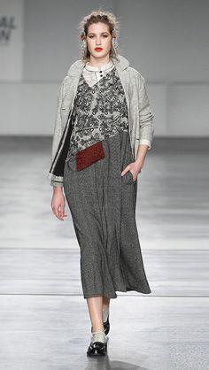 Woman : Dress Diagonal