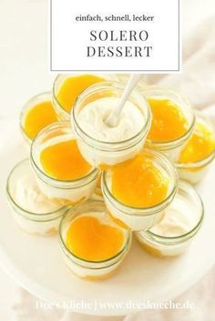 Solero dessert made of glass, refined, light, very simple, and flavors with peach and fruit for Chri Apple Desserts, Mini Desserts, Summer Desserts, Summer Recipes, Dessert Party, Party Desserts, Dessert Catering, Fruit Dessert, Quick Dessert Recipes