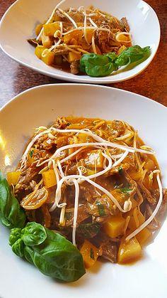 Thai - Töpfchen mit Rindfleisch, ein tolles Rezept aus der Kategorie Eintopf. Bewertungen: 67. Durchschnitt: Ø 4,6.