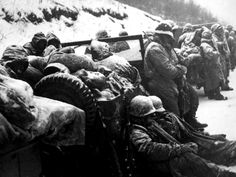 27 November - 15 December 1950 - Battle of the Changijin (Chosin) Reservoir - The encircled 1st Marine Division and elements of US Army's 7th Infantry Division, with support of Navy and Marine aircraft, fight their way southward from the Chosin Reservoir to the port city of Hungnam.