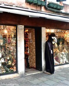 La Bauta, mask's shop