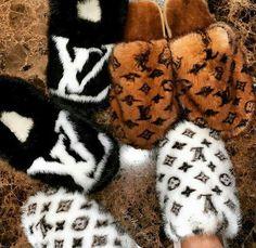 🥿💗 ~𝘐𝘧 𝘷𝘪𝘦𝘸𝘪𝘯𝘨 𝘱𝘭𝘦𝘢𝘴𝘦 𝘧𝘰𝘭𝘭𝘰w ( ~ ‼️🌈 𝘧𝘰𝘳 𝘮𝘰𝘳𝘦 𝘤𝘰𝘯𝘵𝘦𝘯𝘵… – piscivorous-sashes Louis Vuitton Slippers, Louis Vuitton Shoes, Sneakers Fashion, Shoes Sneakers, Shoes Heels, Fashion Shoes, Boat Shoes, Lv Slippers, Bedroom Slippers