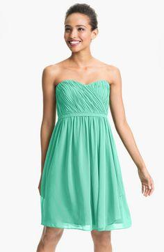 Donna Morgan 'Lindsey' Pleated Sweetheart Neckline Chiffon Dress | Nordstrom