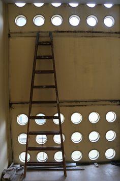 Jean Prouve | Architectures de Cartes Postales 2: Congrès d'amateurs sur le toit