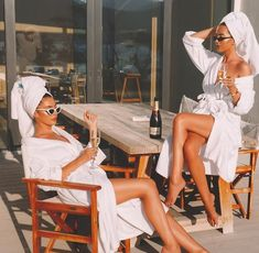 [New] The 10 Best Travel Ideas Today (with Pictures) - Girl's trip! Boujee Aesthetic, Bad Girl Aesthetic, Summer Aesthetic, Aesthetic Vintage, Aesthetic Photo, Aesthetic Pictures, Cute Friend Pictures, Best Friend Pictures, Shooting Photo Amis