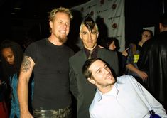 (EXCLUSIVE, Premium Rates Apply) James Hetfield, Anthony Kiedis and John Frusciante of Red Hot Chili Peppers backstage (Photo by KMazur/WireImage) John Frusciante, Anthony Kiedis, James Hetfield, Metallica, Joey Ramone, Music Bands, Reggae, Rock N Roll, Stuffed Peppers