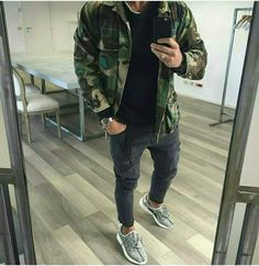"""3,562 Likes, 23 Comments - DAILYSTREETLOOKS (@dailystreetlooks) on Instagram: """"Via @redvestment Outfit by @vincenzoragnacci🔥"""""""