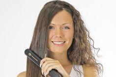 http://cortesde-pelo.com/peinados-con-plancha/ ¡¡Hazte los mejores peinados con plancha!!. Consigue un pelo liso perfecto o crea unas ondas espectaculares con las planchas de manera rápida y fácil. Si quieres aprender a hacerte looks modernos, no dudes en conocer nuestras fantásticas ideas d