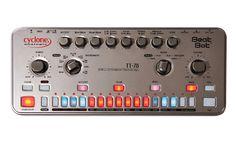 Der Beat Bot sieht aus wie die TT-606 Drum Drone, klingt aber wie eine CR-78.