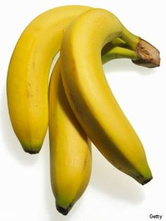 Eating may be the last thing on your mind when your stomach is queasy, but some foods actually ease the symptoms and help stop nausea. How To Stop Nausea, How To Relieve Nausea, Help With Nausea, Remedies For Nausea, Natural Remedies, Food For Nausea, Banana Nutrition Facts, Valerie Orsoni, Nausea During Pregnancy