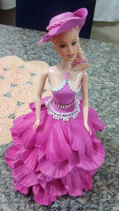 Boneca Barbie Clothes Patterns, Crochet Barbie Clothes, Clothing Patterns, Doll Clothes, Barbie Gowns, Barbie Dress, Barbie Doll, Doll Crafts, Scarf Styles