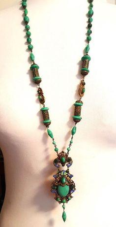 Fabulous original flapper beads, wonderful fancy shaped beads, superb quality suggest these were made in Czechoslovakia. 1920s Jewelry, Gems Jewelry, Art Deco Jewelry, Vintage Costume Jewelry, Bohemian Jewelry, Pendant Jewelry, Antique Jewelry, Jewelery, Vintage Jewelry