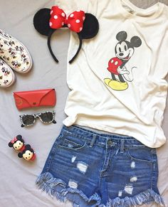What 7 Disney Style Fans Packed for Walt Disney World I don't know about you, but trying to figure out what to wear at WDW can be very stressful. Check out these cute outfits. Disney World Outfits, Walt Disney World, Cute Disney Outfits, Disney Inspired Outfits, Disney World Vacation, Disney Style, Disney Vacations, Disney Trips, Disney Parks
