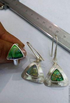 Комплекты украшений ручной работы. Комплект нат.опал, серьги+кольцо , из серебра…