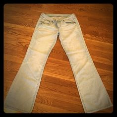American Eagle favorite boyfriend boho 6 Great jeans. Thin. Flare. Boho. Cool. Distressed. Wonderful for spring...with an awesome belt!  Smoke and pet free home. American Eagle Outfitters Jeans Flare & Wide Leg