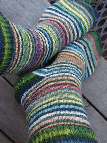 Wool Socks, Knitting Socks, Hand Knitting, Knitting Patterns, Crochet Woman, Knit Crochet, Baby Cocoon, How To Purl Knit, Mittens