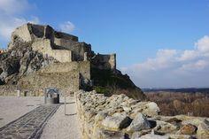 Zurück in die Vergangenheit auf der Burg Devín in der Nähe von Bratislava.