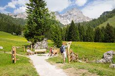 Der Platz der Dankbarkeit am Almsee Mountains, Nature, Travel, Grateful Heart, Tourism, Ghosts, Places, Naturaleza, Viajes
