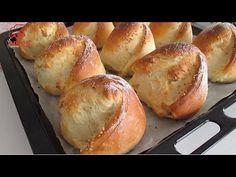 Extrem de ușor și delicios! Pâinea de lapte super moale poate crea dependență! - YouTube Bagel Bread, Bread Bun, Pan Bread, Bread Cake, Eclair Cake Recipes, Bread Recipes, Real Food Recipes, Cooking Recipes, Homeade Bread