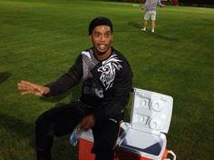 Ronaldinho ironiza declarações de rival e diz: 'Se falar fosse bom...'