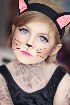 make-up for carnival cat ears hair ring .- kinderschminken zum fasching katze ohren haarreif lidstrich schnurrhaare flecken… make-up for carnival cat ears hair ring lidstrich whiskers stains pattern - Chat Halloween, Cat Halloween Makeup, Cat Makeup For Kids, Cat Face Makeup, Halloween Costumes, Easy Halloween, Kitty Makeup, Eye Makeup, Cat Costume Makeup