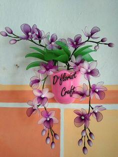 Flower Diy, Diy Flowers, Sketch, Diy Crafts, Silk Flower Arrangements, Silk Stockings, Panty Hose, Tape, Dress Patterns