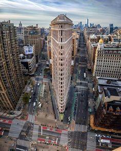 "newyorkcityfeelings: ""The Flatiron Building 📷 Cristiano Rocha "" Mykonos, Santorini, New York Travel, Travel Usa, New York City, Voyage New York, Earth View, Flatiron Building, Manhattan"