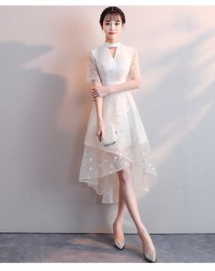 We've picked out our 15 favorite little white dresses to nail this fashion staple, The little white dress is perhaps one of the most versatile fashion staples you can wear absolutely everywhere and every time. Pretty Outfits, Pretty Dresses, Beautiful Dresses, High Low Prom Dresses, Short Dresses, Formal Dresses, Dress Out, Lace Dress, Filipiniana Dress