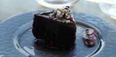 Pastel de chocolate negro con rabanitos y perlitas de arroz inflado Receta de cocina facil sana y original La encimera azul