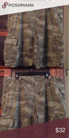 Vintage Cargo Camo Men's Shorts Camo long men's shirts// side pockets// distressed look// Size 40 Vintage Cargo Shorts Cargos