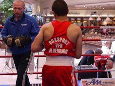 Trainer Alexei Schmidt beim Aufwärmtraining.