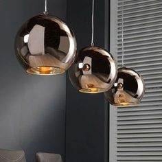Hängelampe Retro Ball 3 Kugeln Kupfer Retro futuristic design for your home. The Retro Ball pendant lamp with its three copper-colored light hoods is an ideal choice for stylish and expressive interio Modern Lighting Design, Interior Lighting, Home Lighting, Lighting Stores, Industrial Lighting, Copper Dining Room, Copper Kitchen, Design Transparent, Lampe Retro