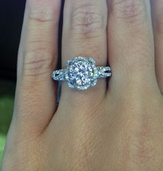 Amazing White Gold Diamond Verragio
