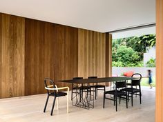 KAP-House - Dining by Porro Italy. Synapsis table + Neve chairs + Gentle chairs