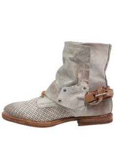 TROP - Cowboy/Biker boots - snow/natur