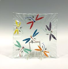 Fused Glass Plates, Fused Glass Ornaments, Fused Glass Art, Glass Dishes, Dragonfly Wallpaper, Dragonfly Decor, Glass Fusing Projects, Bee Creative, Stained Glass Crafts