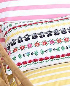 Broderi Ribbon Pillow