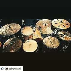 Beautiful Meinl Cymbals set up belongs to Jai Row Kavi Jojo Mayer, Drums Studio, Pearl Drums, Drum Music, Cowbell, How To Play Drums, Drum Sets, Snare Drum, Percussion