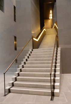 Uffizi Gallery glass under-lit mcm brass alcove marble Luxury Staircase, Staircase Handrail, Interior Staircase, Stair Railing, Staircase Design, Bannister, Marble Stairs, Stone Stairs, Glass Balustrade