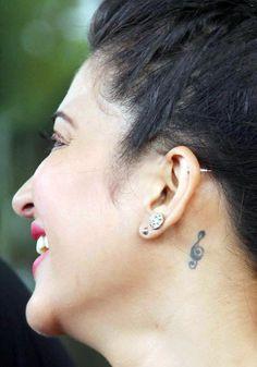 Welcome Back: Shruti Haasan and John Abraham go glitzy for a song shoot Beautiful Bollywood Actress, Beautiful Indian Actress, Beauty Full Girl, Beauty Women, Shruti Hassan Saree, Stylish Girl Pic New, Deepika Padukone Hot, Bollywood Girls, Bollywood Stars